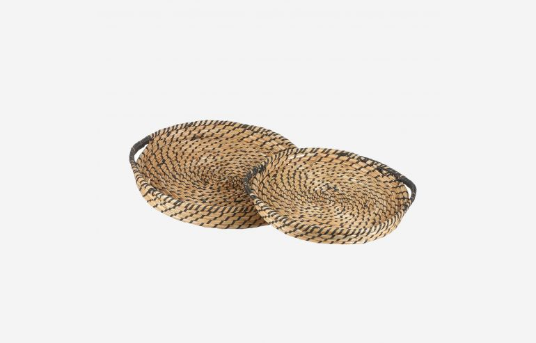 Tray set of 2 brown baskets