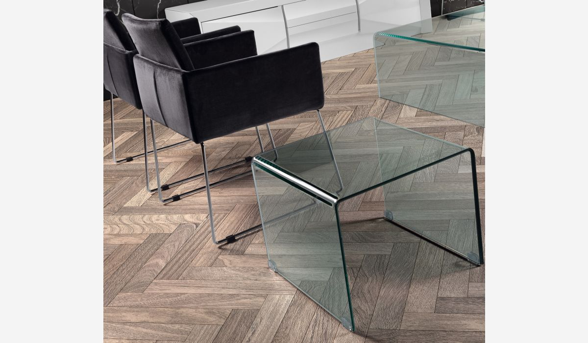 Transparente corner table