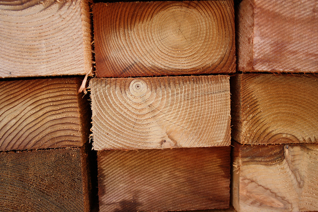 Madera de cedro, ebanistería y solución para tus exteriores