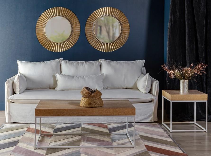 Fotografía de ambiente decorado con muebles modernos y de estilo